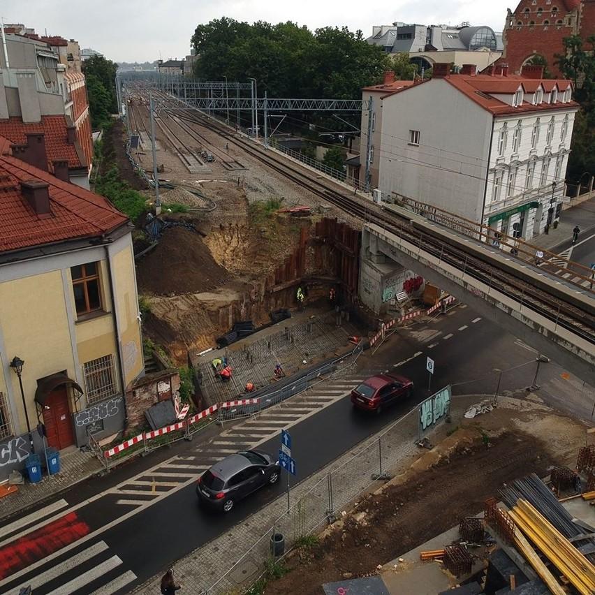Ruszył kolejny etap budowy nowego wiaduktu kolejowego nad ul. Kopernika