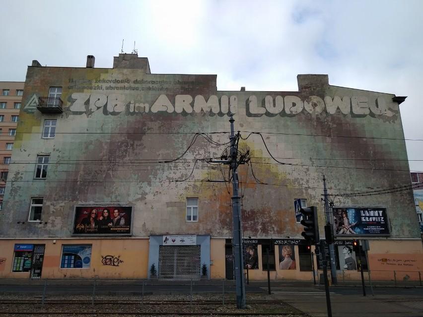 Murale, których już nie ma  PRL-owskie reklamy i nowsze