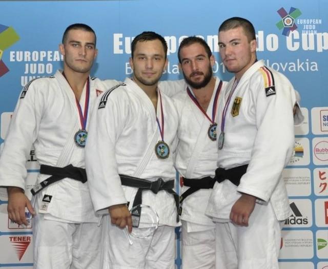 Tomasz Szczepaniak (drugi z lewej) ma na koncie kilka cennych sukcesów.