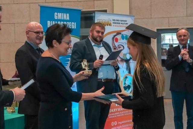 Absolwenci pierwszej edycji Białobrzeskiego Uniwersytetu Dziecięcego dyplomy kończące rok akademicki odebrali zimą tego roku. Kolejni słuchacze zajęcia zaczną w październiku.