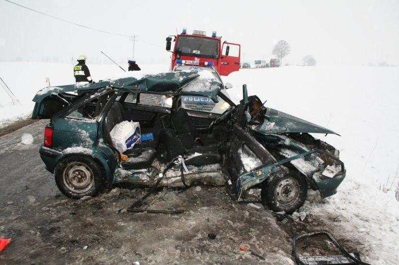 Wypadek pod Świdwinem. Jedna osoba ranna