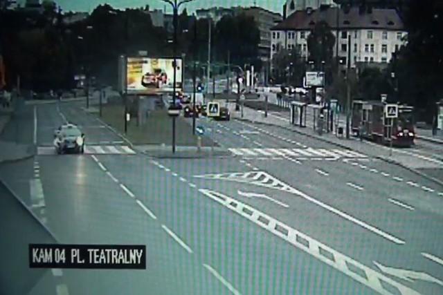 Taksówkarz z Zabrza potrącił matkę z dzieckiem na pasach