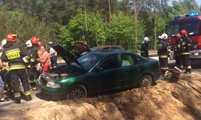 W poniedziałek, około godz. 12, na drodze 682 relacji Uhowo - Bojary doszło do zderzenia dwóch aut osobowych: audi i renault.