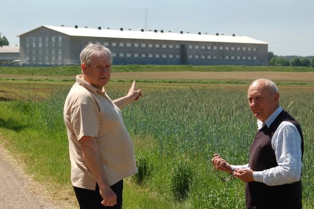Zbigniew Sadyś i Lesław Rachwał (My-Poznaniacy) uważają, że przedsiębiorca zachowuje się nie fair wobec mieszkańców. Przeprowadza swoje pomysły nie licząc się z tym, że mogą szkodzić innym