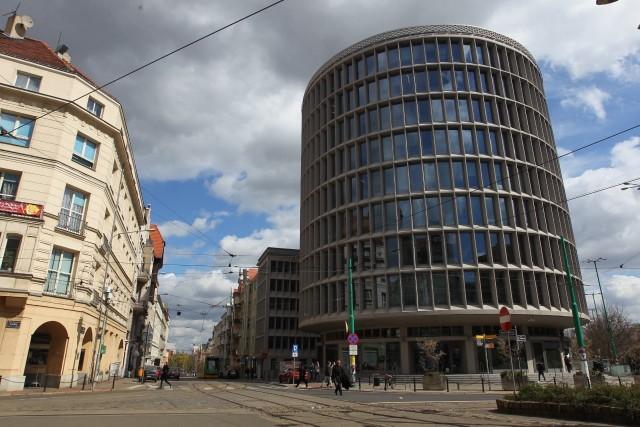 Poznański Okrąglak stoi już 65 lat.