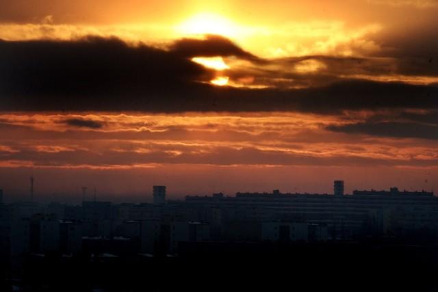 Zachód słońca nad Wrocławiem, zdjęcie ilustracyjne