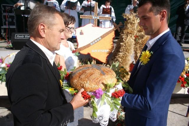 Dożynki 2019 w Cekowie Kolonii. Jak rolnicy obchodzą święto plonów w Wielkopolsce?
