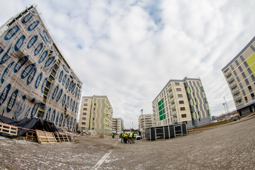 Oszczędzanie 2019. Coraz więcej osób inwestuje w mieszkania pod wynajem. Warto?