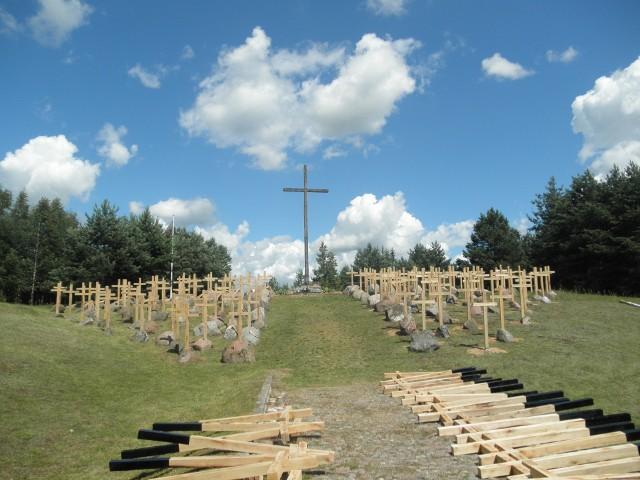 W Gibach stanęły Krzyże Pamięci
