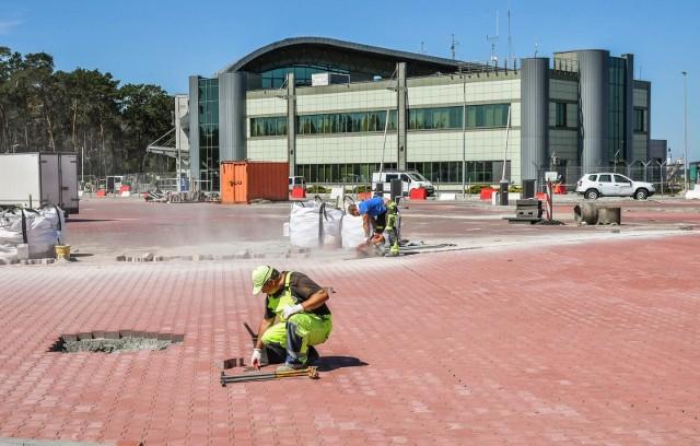 Wraz ze wznowieniem lotów z Portu Lotniczego Bydgoszcz do dyspozycji osób korzystających z lotniska będzie nowy parking. Szczegóły opisujemy na kolejnych stronach galerii >>>>>
