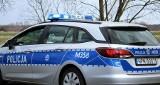 Bielsk Podlaski: Policjanci zatrzymali 37-latka, który nie posiadał uprawnień do kierowania pojazdem. Pasażer próbował wręczyć łapówkę