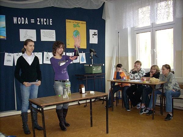 W konkursie uczestniczyły trzy czteroosobowe reprezentacje szkół