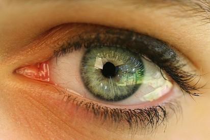 3aed7d162b4839 Kolorowe soczewki kontaktowe: jak dobrać i jak zakładać? Cena i ...