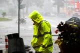Intensywne ulewy zagrażają ludziom w woj. śląskim. Dziś spadnie do 100 litrów na m2. Możliwe miejscowe podtopienia 5.08.2021