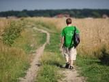 Początek wakacji. Nastolatki uciekają z domu