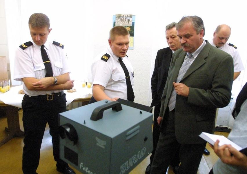 Szczecińska Straż Miejska otrzymała fotoradar w lipcu. Zamiast zarabiać na poprawę bezpieczeństwa na drogach, służy jako maszynka do robienia pieniędzy na niezbyt jasne cele.