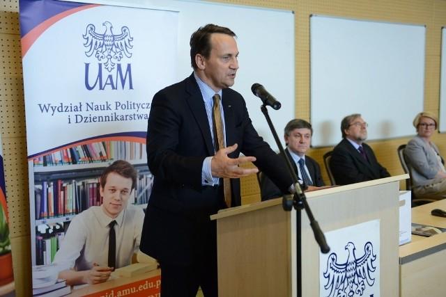 Poznań: Radosław Sikorski spotkał się ze studentami UAM
