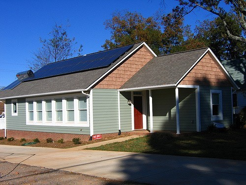 Dom zeroenergetycznyDom zeroenergetyczny wybudowany w Stanach Zjednoczonych w 2005 roku.