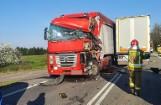 Karambol czterech ciężarówek na drodze krajowej numer 50. Dwie osoby trafiły do szptiala