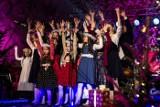 Aniołowie z Lipinek na  święta śpiewają kolędy [WIDEO]