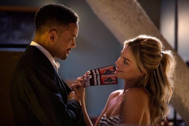 Kadr z filmu Focus - na zdj. Will Smith i Margot Robbie