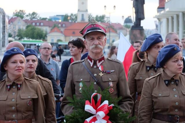 W środę o godz. 20.30 przed kinem TON w Białymstoku rozpoczęła się uroczystość pod nazwą Wieczór Pamięci.