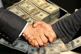 Znany biznesmen z Rybnika pomagał w wyłudzeniu milionów podatku VAT. Grozi mu 10 lat więzienia