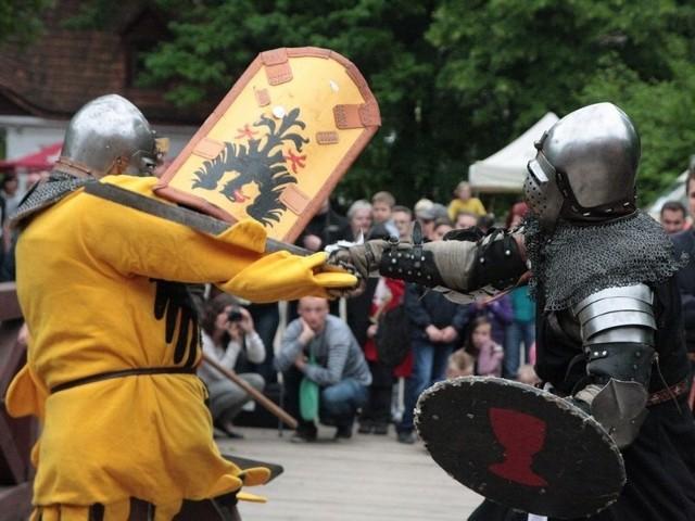 Jedną z atrakcji niedzielnego festynu będzie rycerska bitwa.