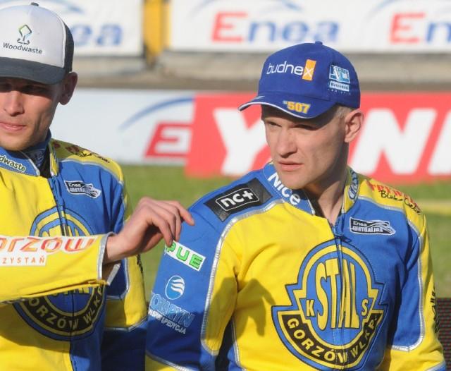 Krzysztof Kasprzak (z prawej) wszystko już sobie wyjaśnił z Matejem Zagarem. Incydent nie powinien wpłynąć na atmosferę w drużynie.
