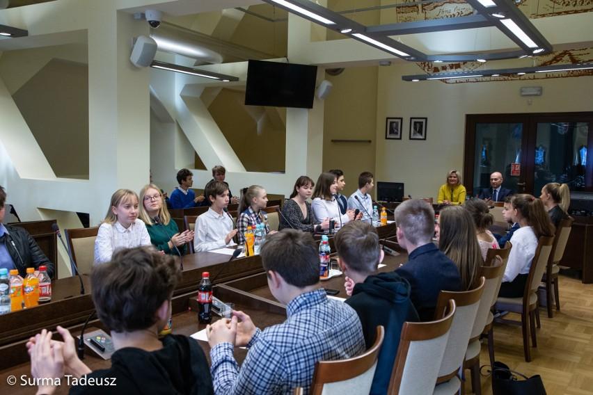 Młodzi mają głos! Rozpoczęła się siódma kadencja Młodzieżowego Zespołu Doradczego Prezydenta Miasta Stargard