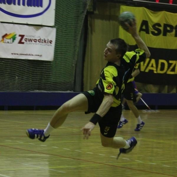 Artur Pietrucha z ASPR-u Zawadzkie zdobył w tym sezonie 57 goli i jest najlepszym snajperem I ligi.