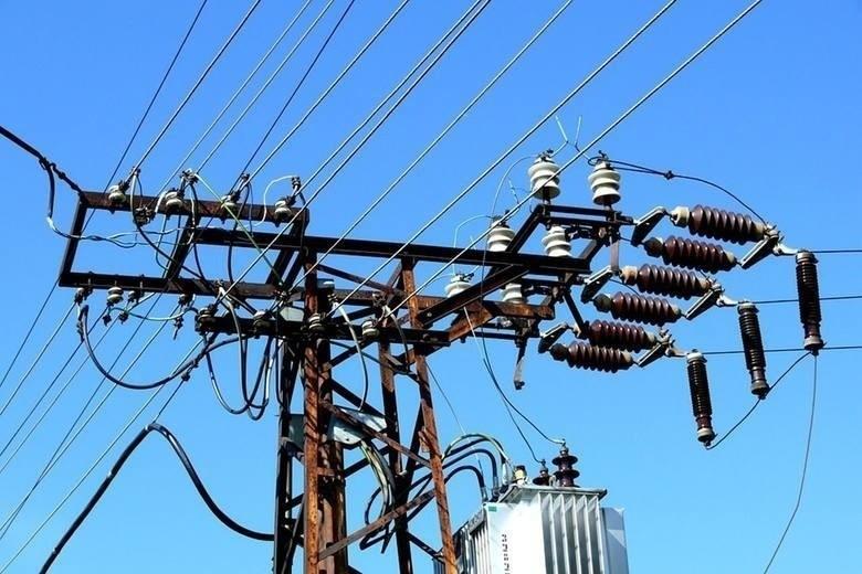 Nie będzie prądu w wielu miejscowościach w woj. śląskim. Podajemy planowane przerwy w dostawie energii elektrycznej w największych śląskich miastach. Na liście m.in. Katowice, Bytom, Gliwice, Bielsko-Biała, Rybnik.Sprawdź wykaz miast i ulic oraz daty>>>