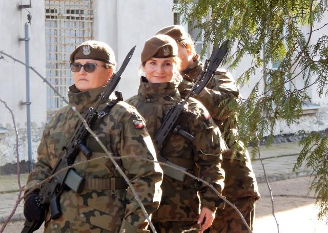 Na zdj. Agnieszka Bujnowska (w środku)