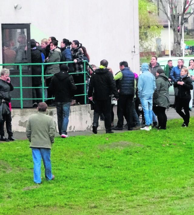 Z zespołu szkół w Gorzkowicach ewakuowano prawie tysiąc osób. Alarm był fałszywy