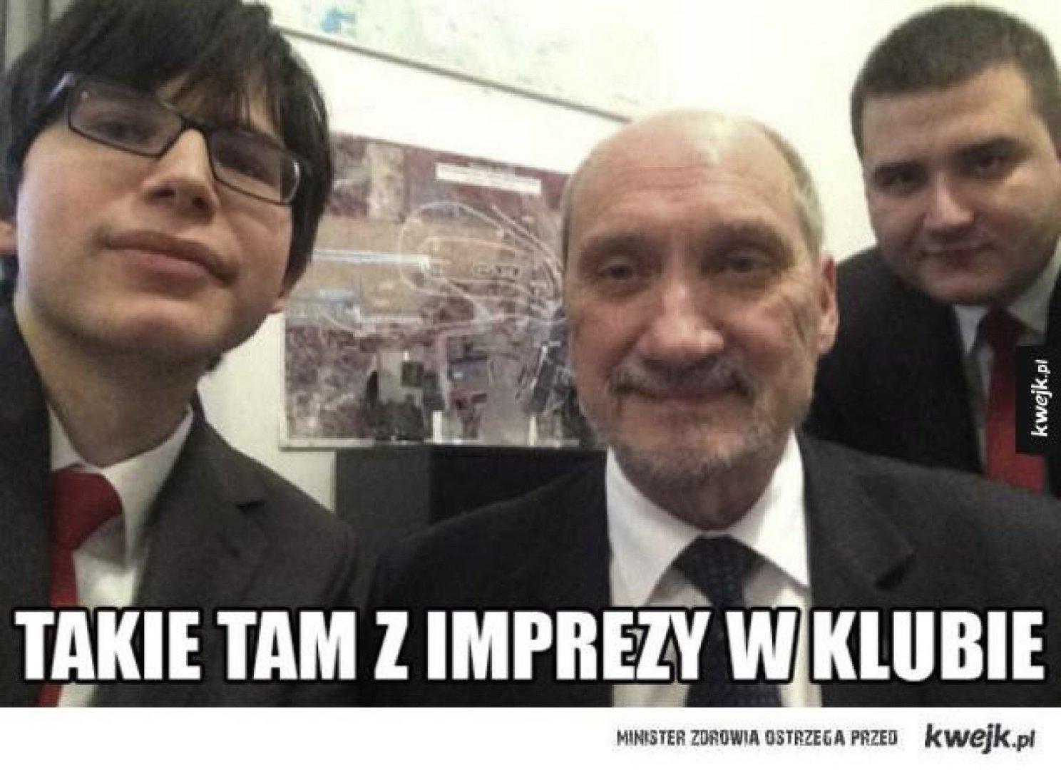 Bartłomiej Misiewicz Memy Po Odwołaniu Protegowanego Szefa Mon