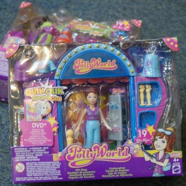 """Producent, firma """"Mattel"""" ostrzega, że elementy tych zabawek są groźne dla zdrowia dzieci."""