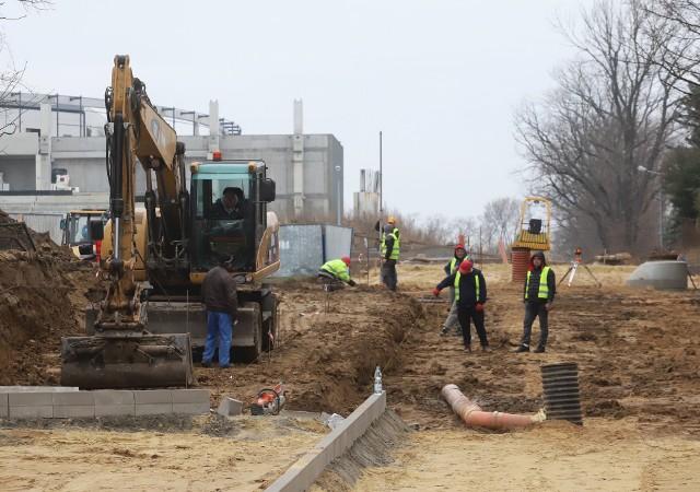 Budowa radomskich dróg na razie idzie zgodnie z planem.