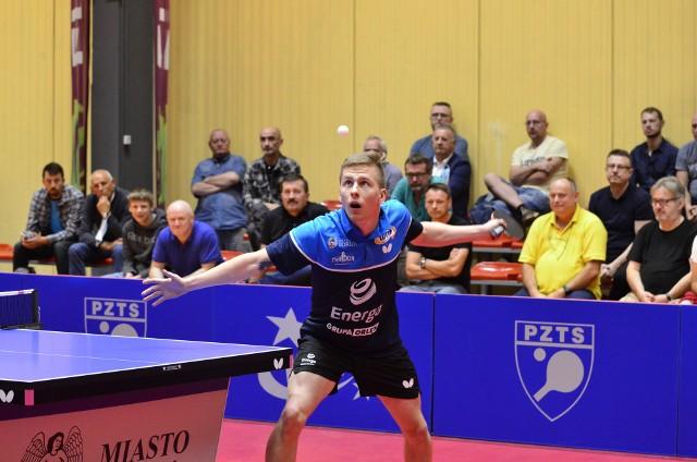 Damian Węderlich w meczu z 3S Polonią Bytom wygrał zarówno swój mecz singlowy, jak i grę deblową