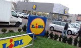 Ile zarabiają pracownicy Lidla, Biedronki, Tesco? Zarobki są wyższe, a system premiowy i bonusy bardzo atrakcyjne