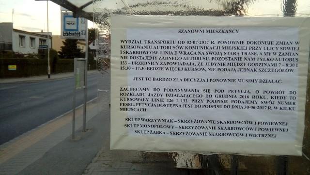 Do piątku mieszkańcy zbierają podpisy pod petycją w trzech sklepach na osiedlu: przy skrzyżowaniu Skarbowców i Powiewnej oraz przy skrzyżowaniu Skarbowców i Wietrznej.
