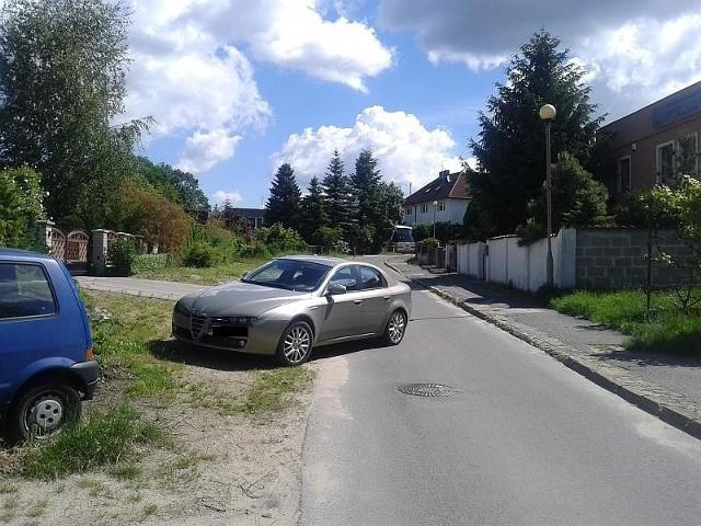 Tak swój pojazdy samochód postawił zielonogórski autodrań.