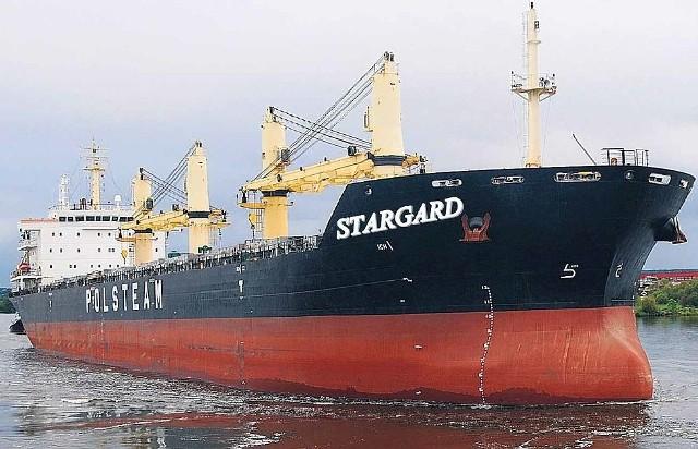 """Na zdjęciu statek """"Pomorze"""", który na potrzeby artykułu przerobiliśmy na """"Stargard"""". Czas pokaże, czy miasto nad Iną doczeka się patronatu nad dalekomorskim masowcem."""