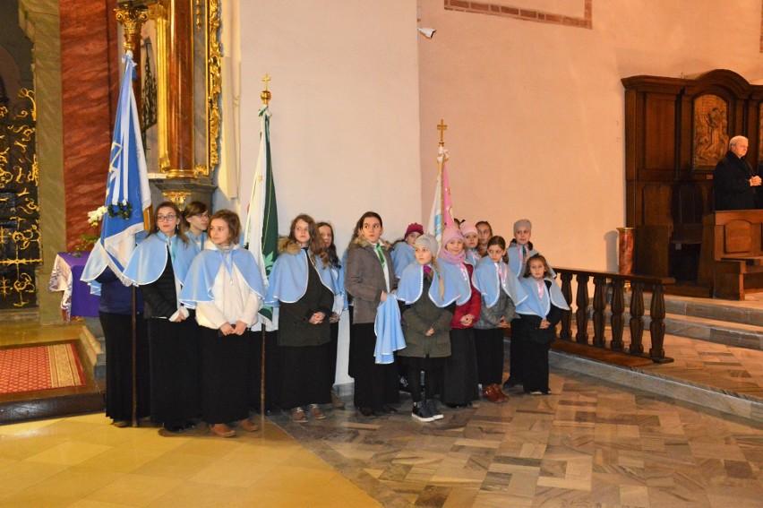 Środa Popielcowa: Biskup opolski poprowadził procesję z...