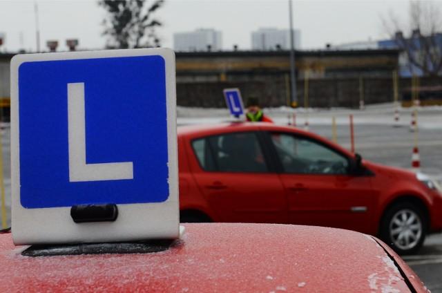 Ruszają zapisy na egzaminy na prawo jazdy w Poznaniu.