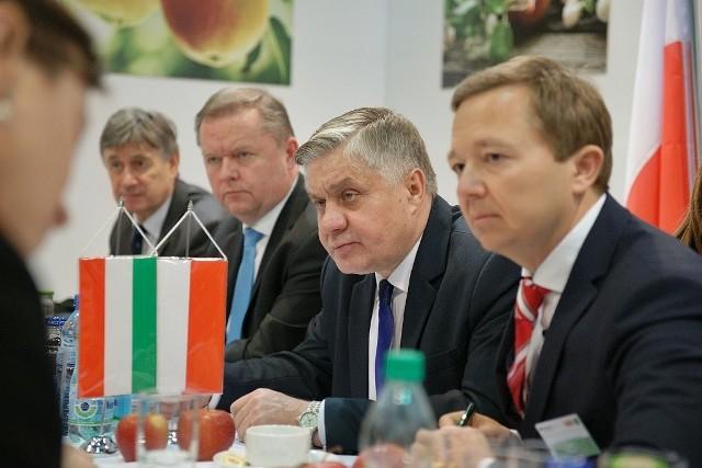 Polska strona podczas spotkania z Sándorem Fazekasem, węgierskim ministrem rolnictwa