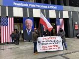 """Pracownicy gnieźnieńskiego ZOL-u przed urzędem marszałkowskim: """"Będziemy tak długo protestować, aż nie będzie pewności, że dom zostaje"""""""