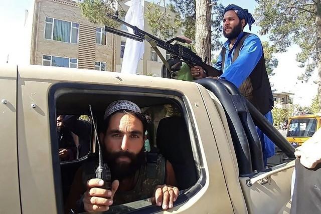 Amerykanie mieli dość wojny w Afganistanie. Oczywiście nikt nie chciał, by ewakuacja odbywała się w takim chaosie i by talibowie tak szybko przejęli kraj. Prezydent Biden zbiera za to ogromną krytykę, 57 proc. Amerykanów źle ocenia jego przywództwo po tym, co się wydarzyło w Afganistanie – mówi dziennikarka i politolożka Katarzyna Guzy, olsztynianka, dawna mieszkanka Nowego Dworu Gdańskiego, od ponad dwóch dekad w USA.