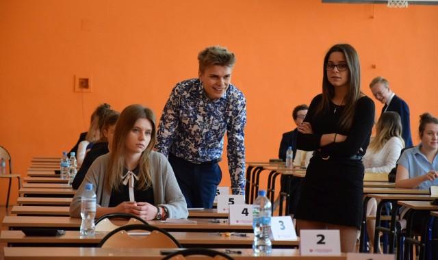 W Liceum Ogólnokształcącym w Sępólnie do egzaminu o godz. 9 przystąpiło 56 maturzystów