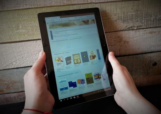 W e-czytelni Ibuk Libra można notatki bezpośrednio w książce, dodać zakładki, wyszukać słowa i frazy, stworzyć własną półkę z e-książkami.