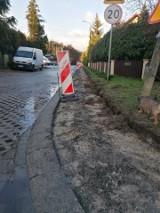 Mieszkańcy Raculki dopytują, czy wreszcie doczekają się remontów ulic i chodników na swoim osiedlu. Co na to miasto? Sprawdzamy!